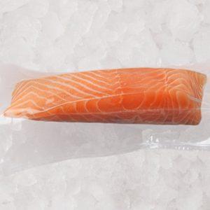 Pavé de saumon frais, élevé en Ecosse par Loch Duart