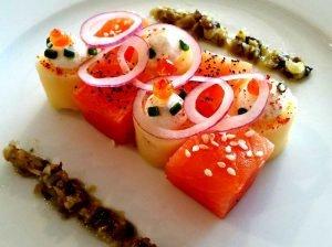 Damier de Saumon fumé, fromage frais et tartare d'algues